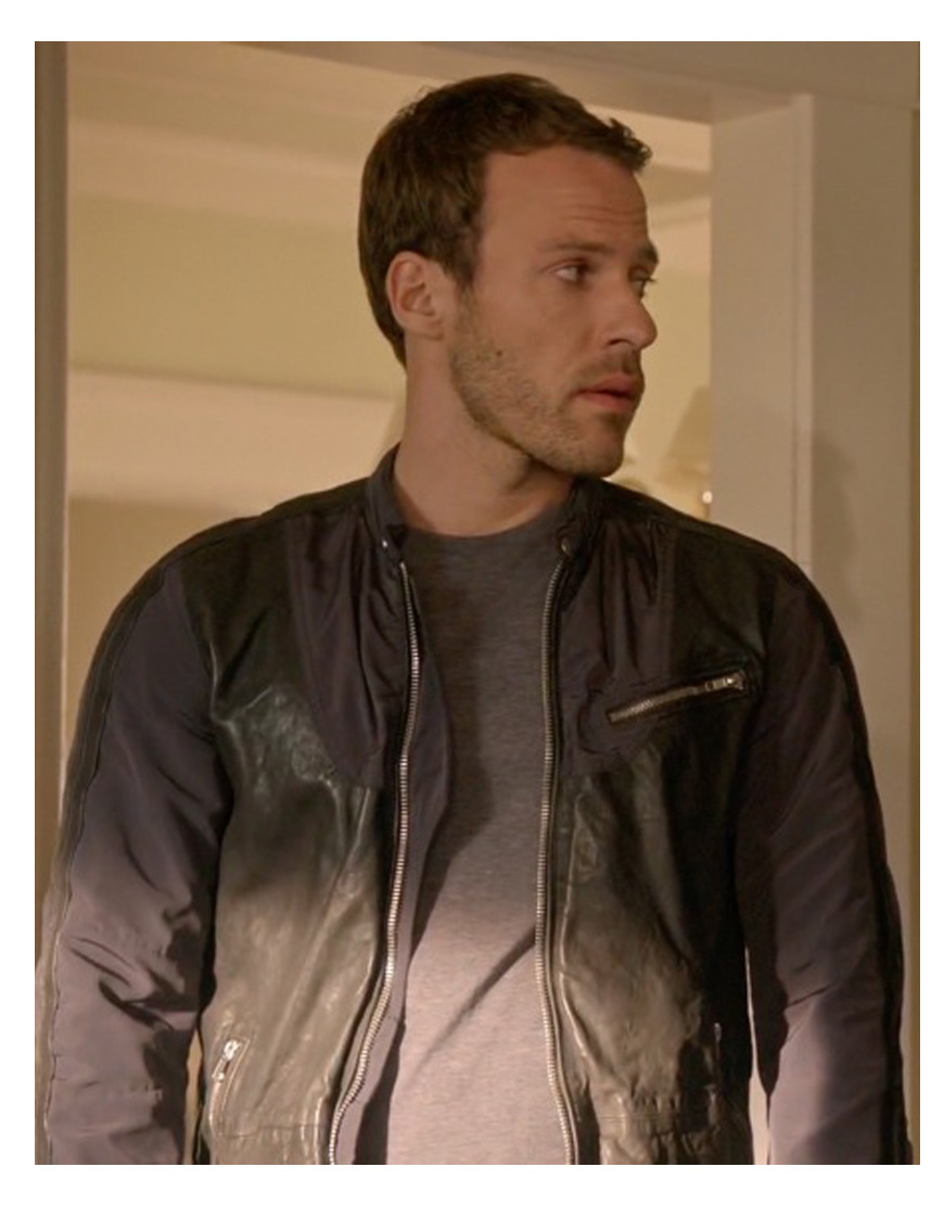 legends-of-tomorrow-falk-hentschel-jacket