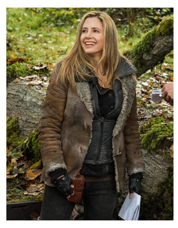 falling-skies-mira-sorvino-jacket