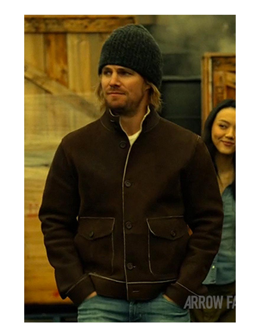 arrow-stephen-amell-brown-jacket