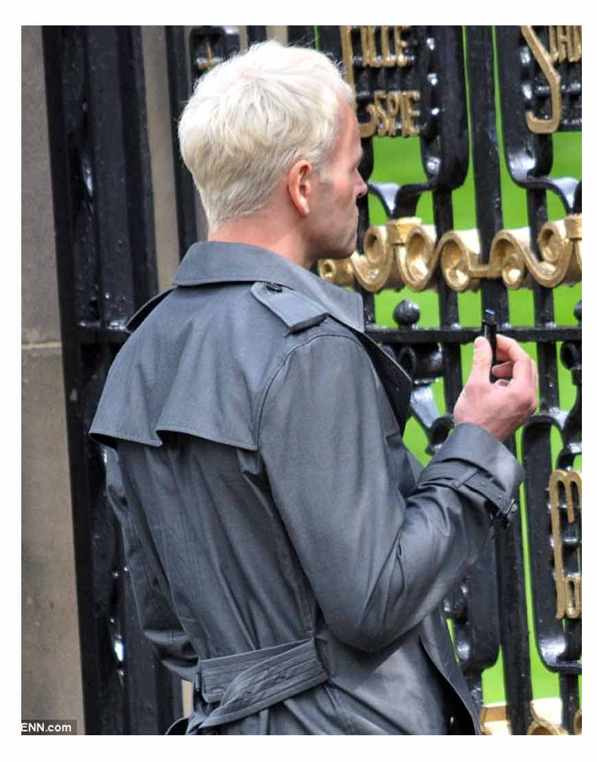 t2-trainspotting-jonny-lee-miller-coat