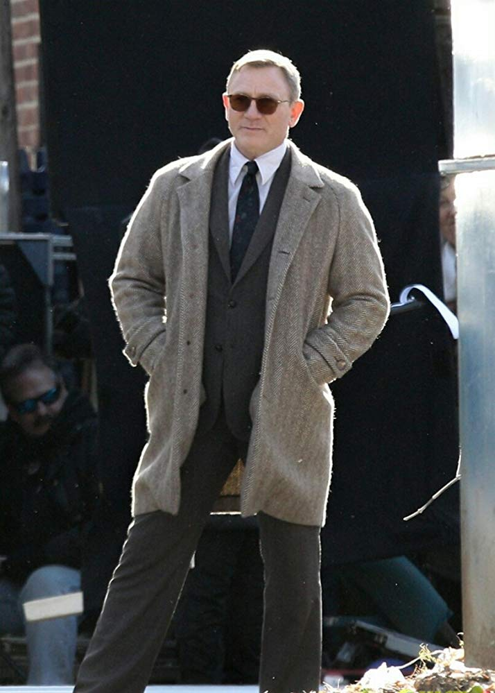 Knives Out Daniel Craig Coat