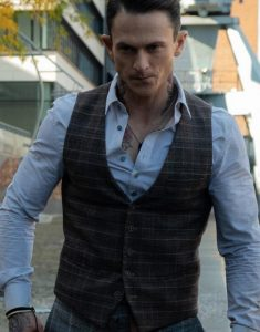 Charlie_s-Angels-Jonathan-Tucker-Brown-Vest