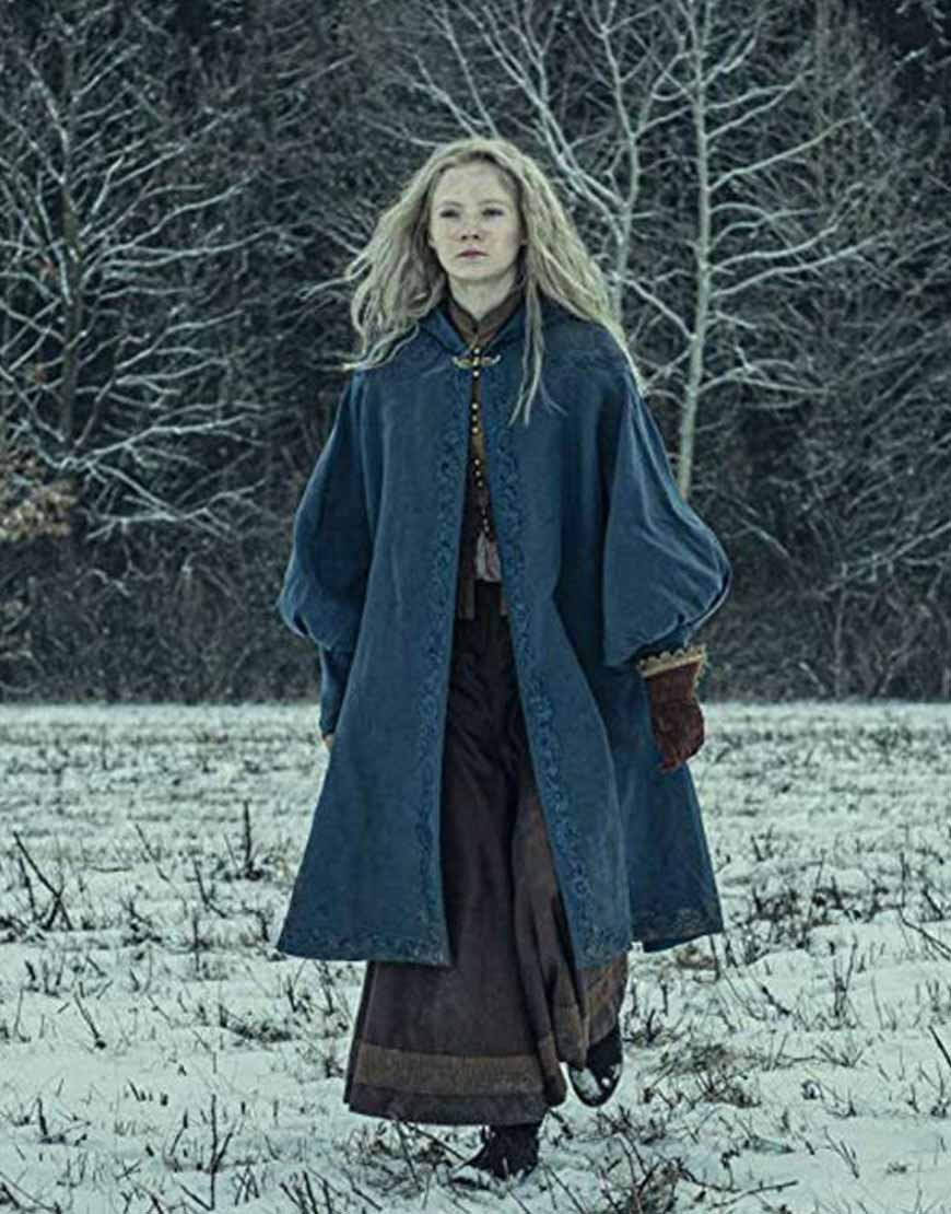 Freya-Allan-The-Witcher-Tv-Series-Ciri-Coat