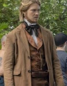 Joe-Alwyn-Harriet-Gideon-Brodess-Brown-Coat