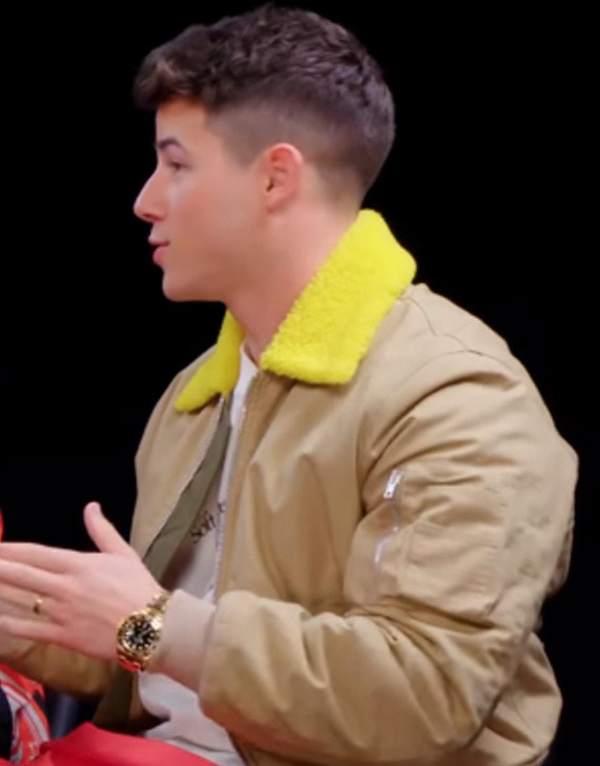 Nick-Yellow-Collar-Jacket
