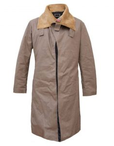 solo-a-star-wars-story-woody-harrelson-beige-coat