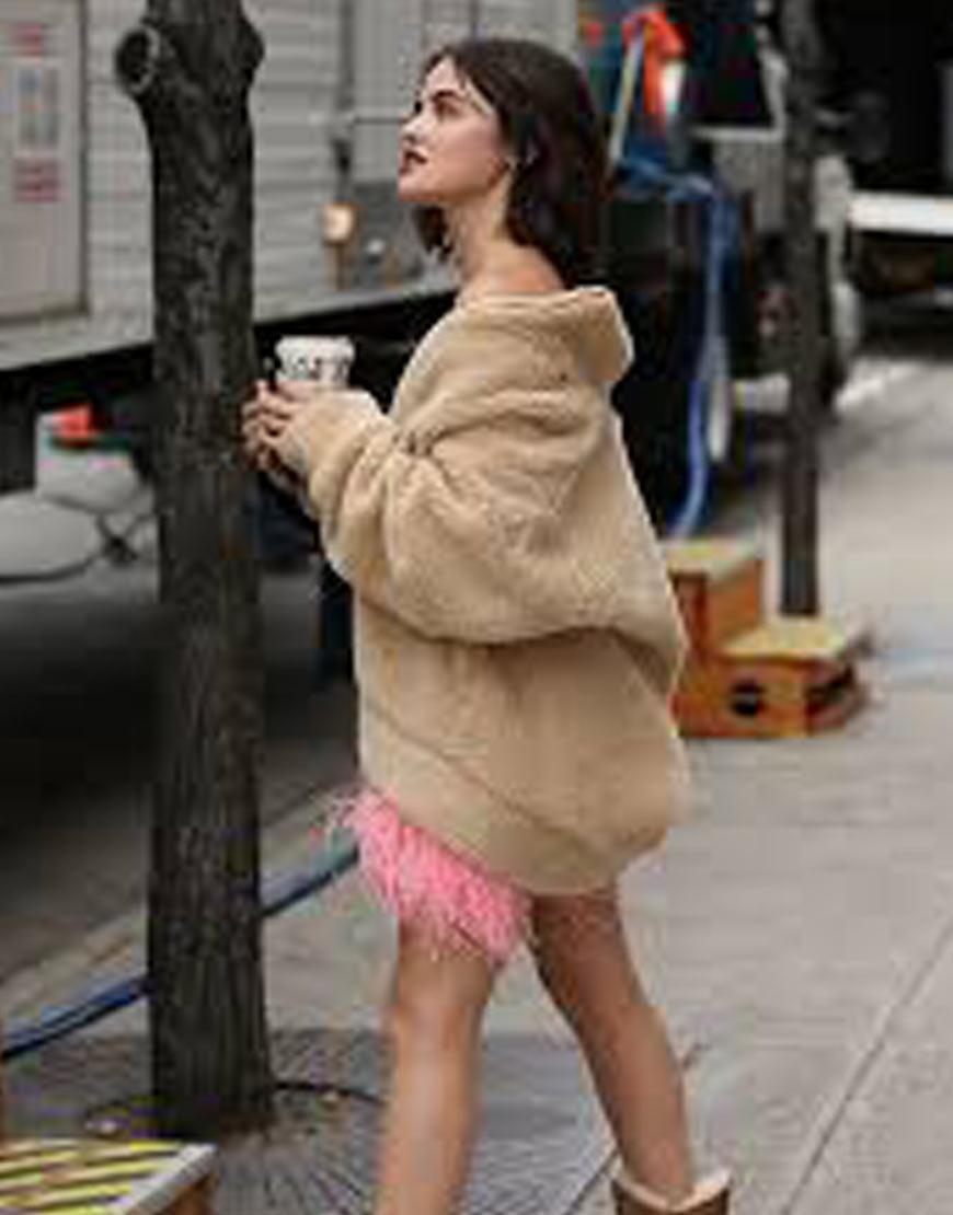 Katy-Keene-Lucy-Hale-NYC-COAT