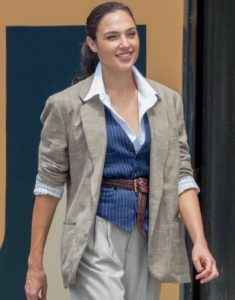 gal-gadot-and-chris-pine-wonder-woman-1984-set-in-georgetown