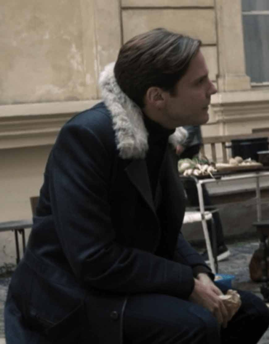 the-falcon-and-the-winter-soldier-2021-zemo-fur-black-coat