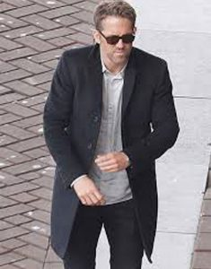 RYAN-REYNOLDS-COAT-FROM-THE-HITMAN'S-BODYGUARD