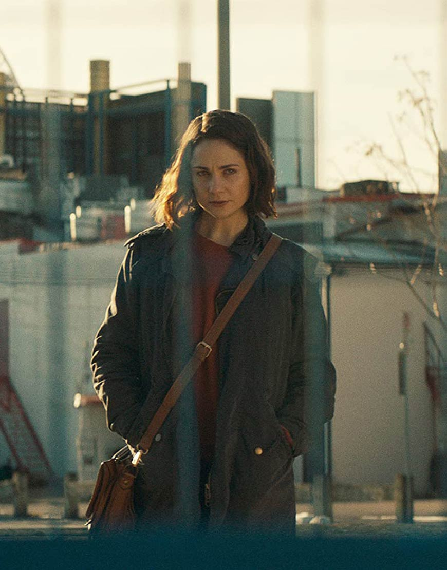 Tuppence-Middleton-Clifton-Hill-Abby-Grey-Coat