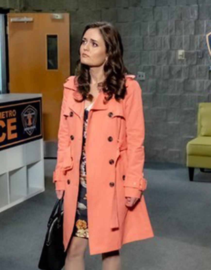 matchmaker-mysteries-a-fatal-romance-danica-mckellar-orange-coat
