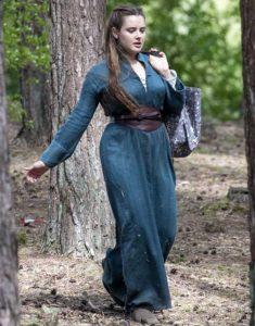Cursed-Netflix-Season-1-Katherine-Langford-coat