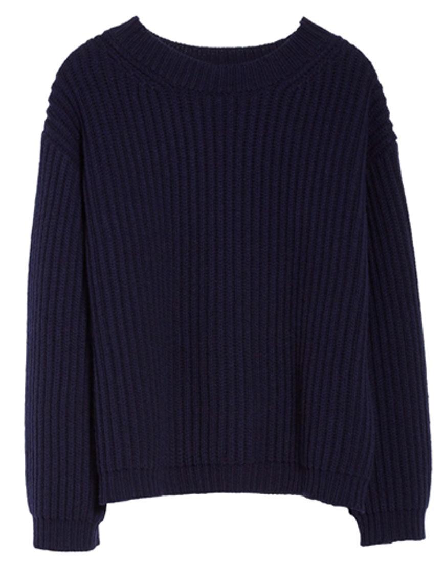 Dark-blue-sweater-Maisie-Williams-in-The-New-Mutants