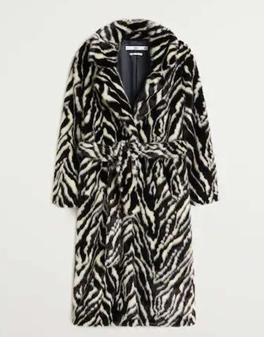 Selena-Gomez-Black-Belted-faux-fur-coat