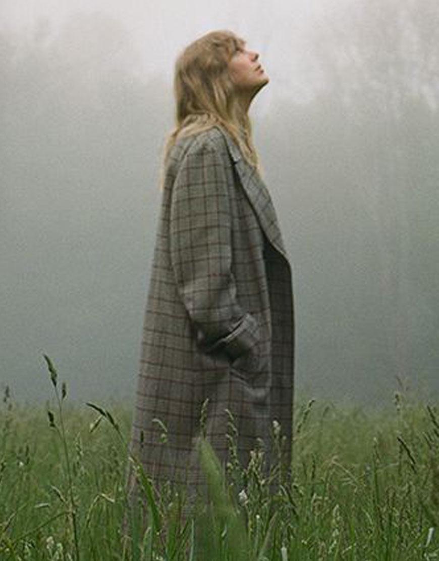taylor-swift-folklore-album-coat