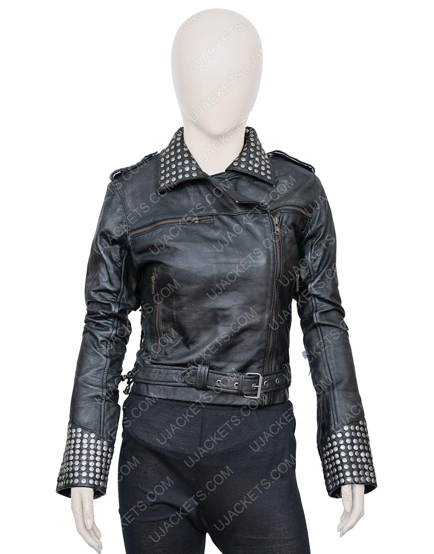 Maggie Civantos Vis a Vis El Oasis Fringe Style Macarena Ferreiro Leather Jacket