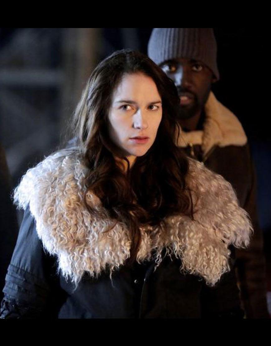 Wynonna-Earp-Season-4-Melanie-Scrofano-Coat