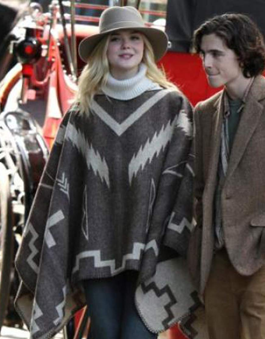 A-Rainy-Day-In-New-York-Elle-Fanning-Mexican-Style-Poncho