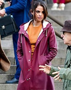 A-Rainy-Day-In-Newyork-Selena-Gomez-Hooded-Coat