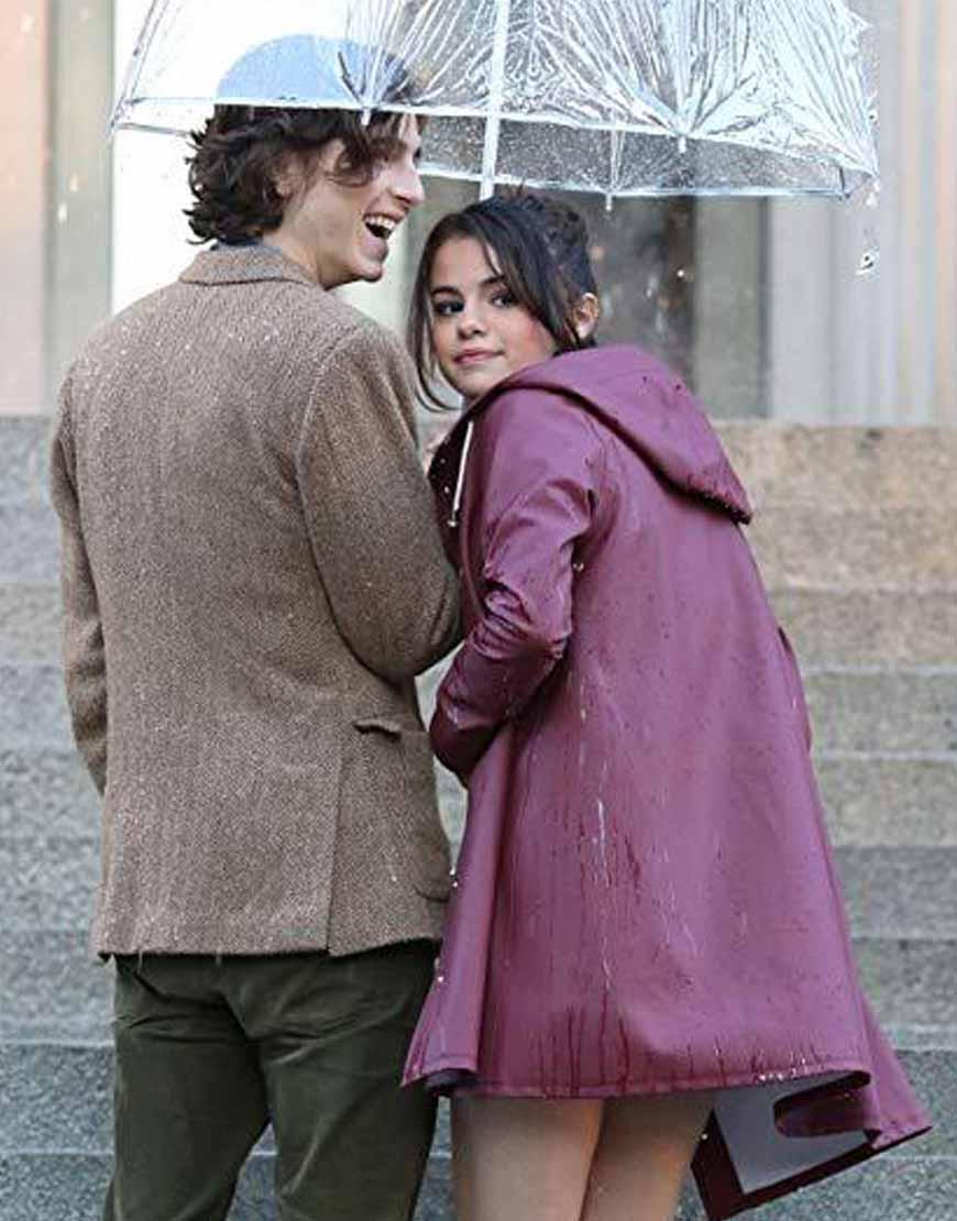 A-Rainy-Day-In-Newyork-Selena-Gomez-Plum-Hooded-Coat