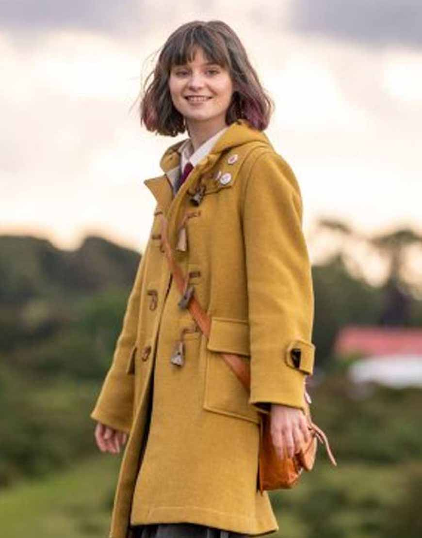 Dating-Amber-Lola-Petticrew-Brown-Coat