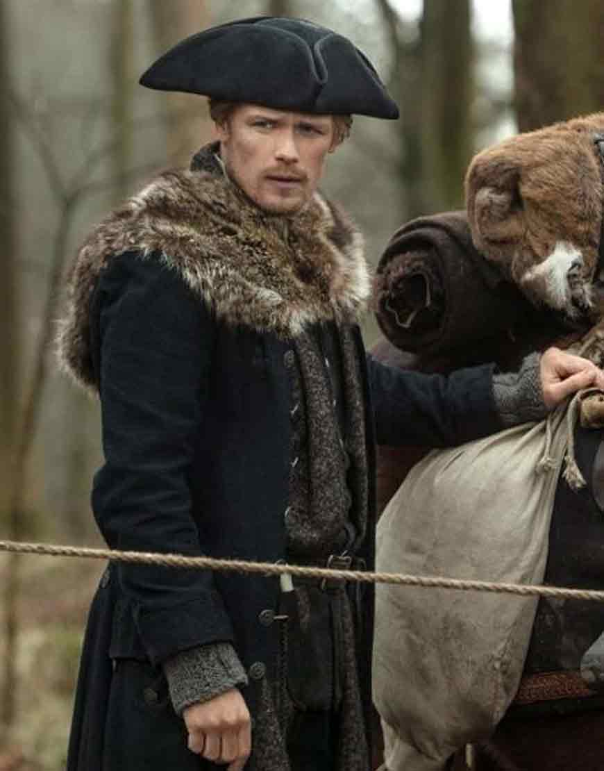 Outlander-S04-Jamie-Fraser-Fur-Coat