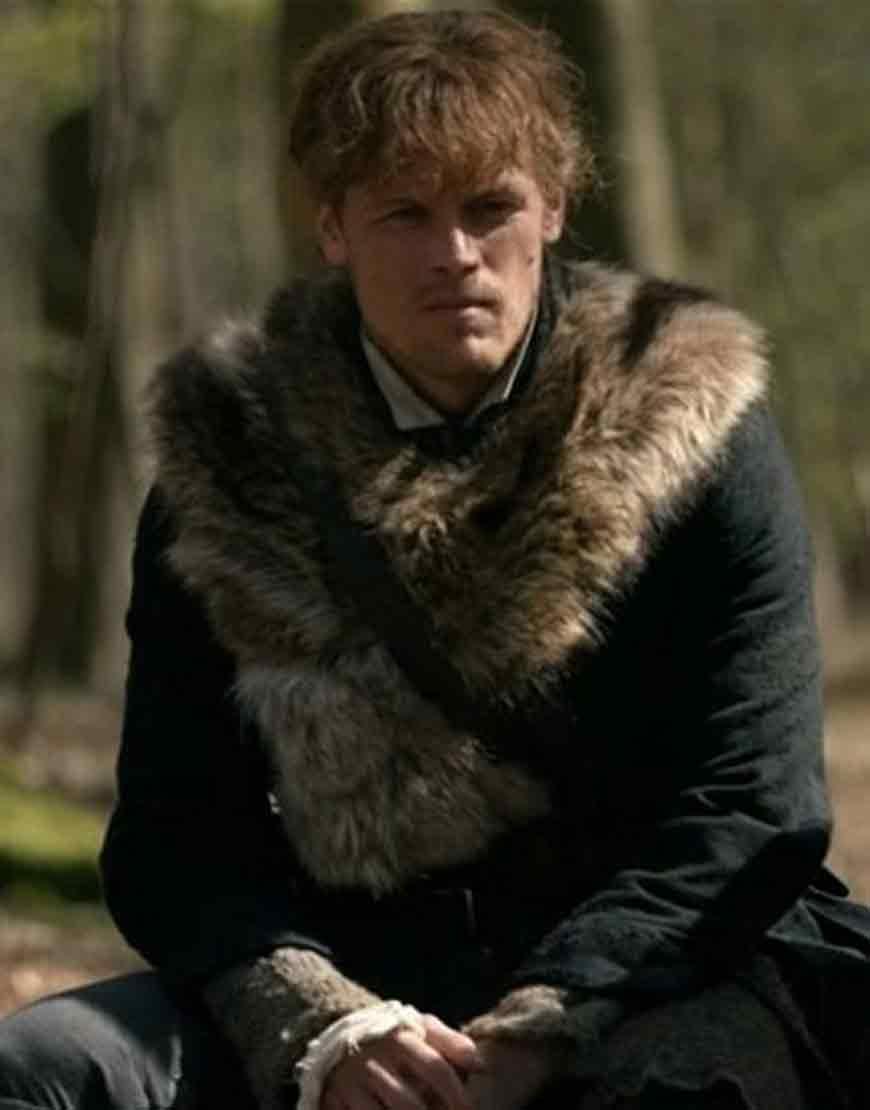 Outlander-S04-Jamie-Fraser-Furry-Coat
