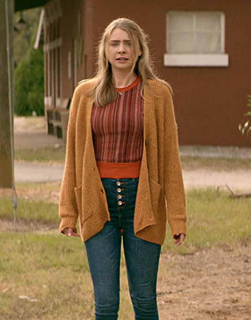 Teenage-Bounty-Hunters-Maddie-Phillips-Sweater