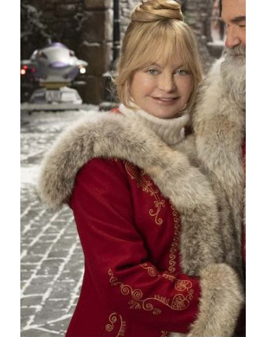 The-Christmas-Chronicles-2-Goldie-Red-Coat
