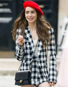 lily-collins-on-the-set-of-emily-in-paris