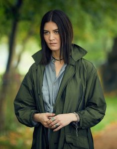A-Discovery-Of-Witches-S02-Satu-Coat