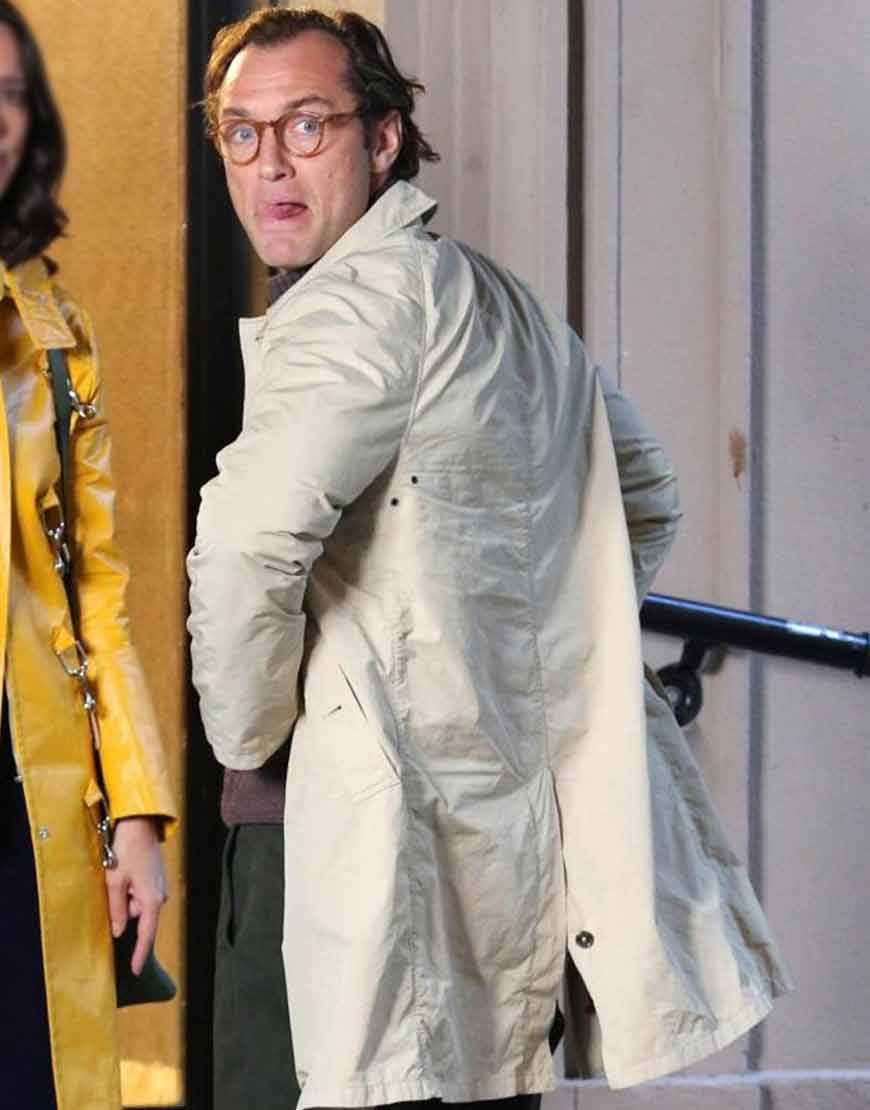 A-Rainy-Day-In-New-York-Jude-Law-Cotton-Coat
