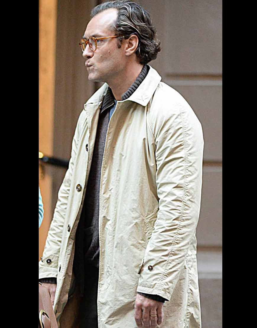 A-Rainy-Day-In-New-York-Jude-Law-Cream-Cotton-Coat