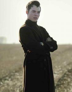 Alfred-Pennyworth-Jack-Bannon-Black-Coat