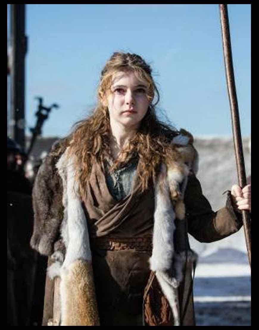 Britannia-S03-Eleanor-Worthington-Coat