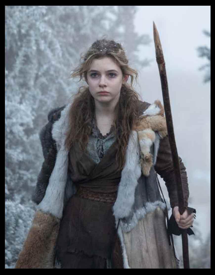 Britannia-S03-Eleanor-Worthington-Fur-Coat