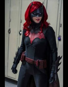 CW-Batwoman-S02-Costume-Jacket