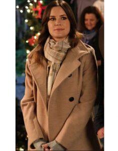 Forever-Christmas-Chelsea-Hobbs-Sophia-Worthy-Coat