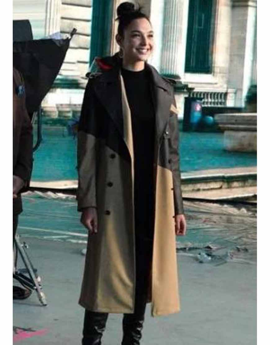 Gal-Gadot-Red-Notice-Coat