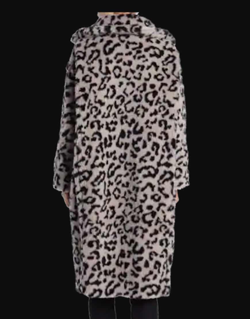 KARDASHIANS--Khloe-Kardashian-Grey-COAT