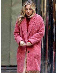 Kaley-Cuoco-The-Flight-Attendant-Cassie-Pink-Coat