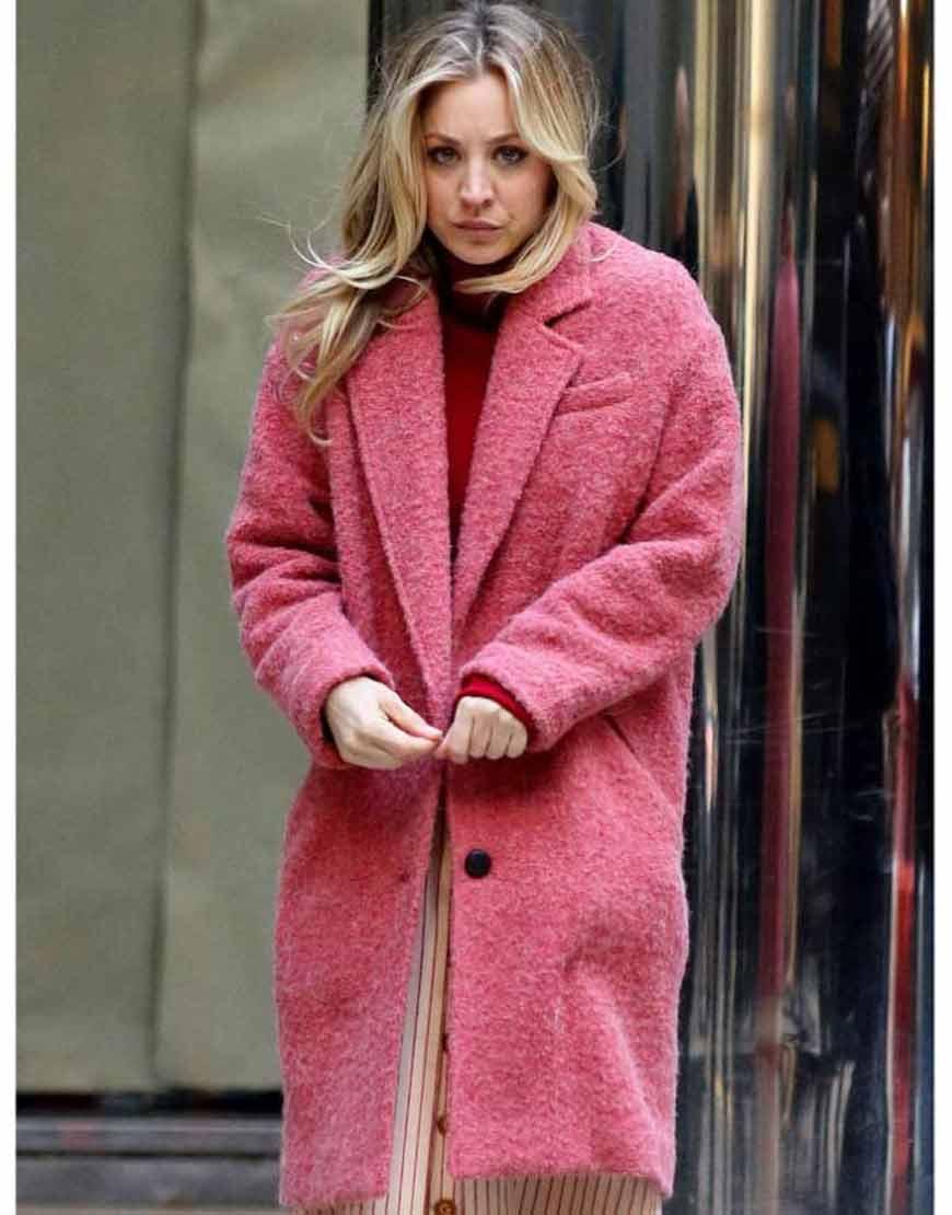 Kaley-Cuoco-The-Flight-Attendant-Cassie-Pink-Coat