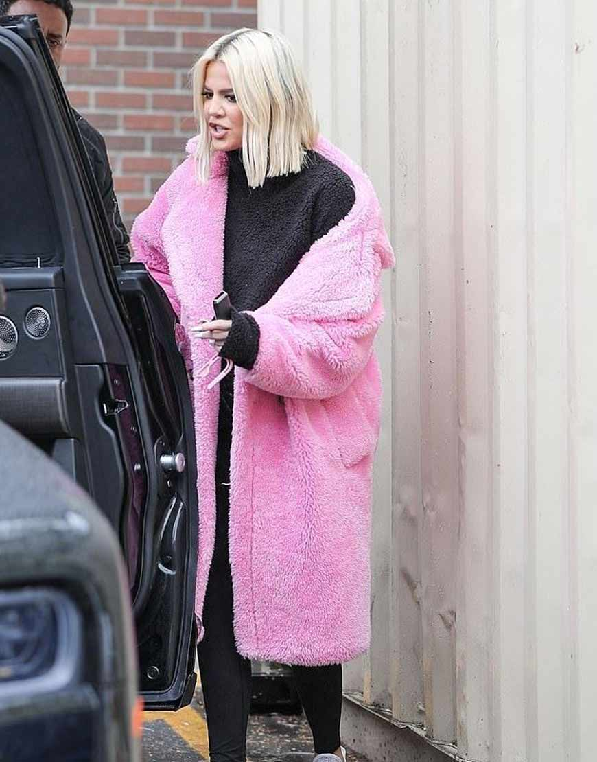 Keeping-Up-With-The-Kardashians-Pink-Fur-Coat