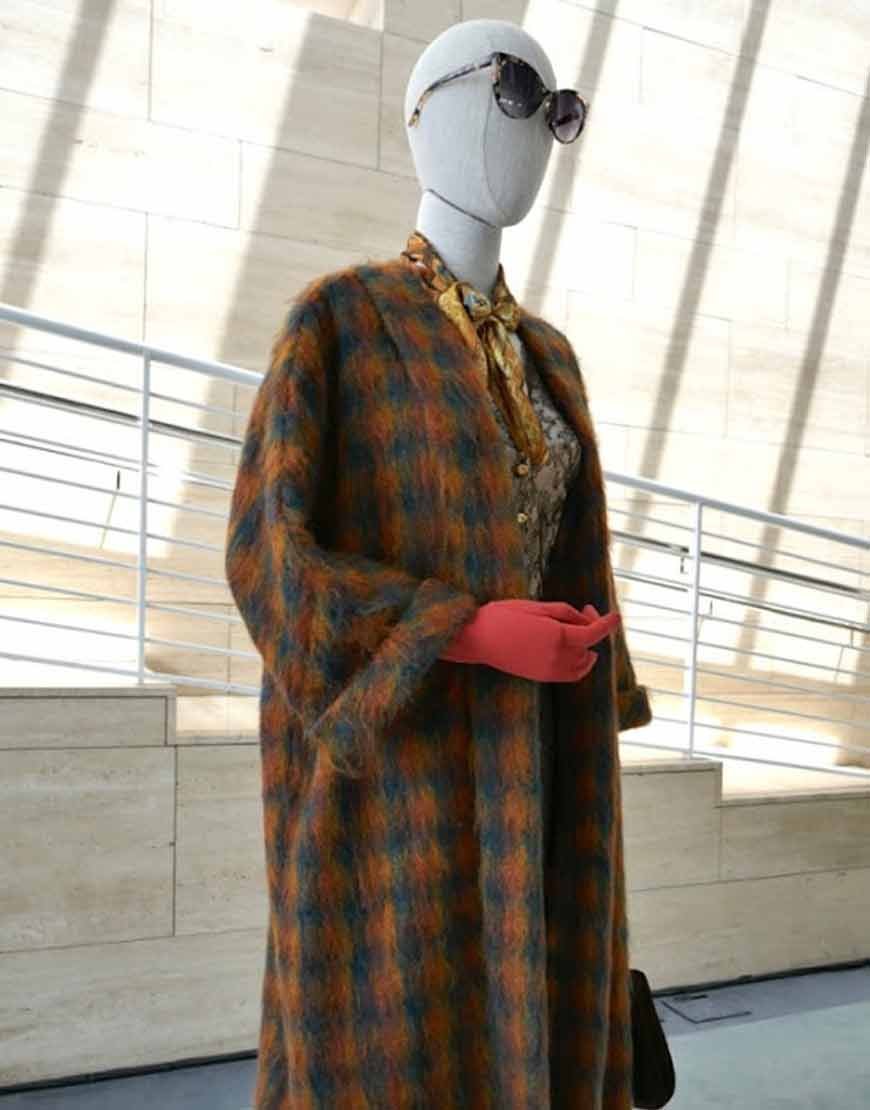 Princess-Margaret-The-Crown-Vanessa-Kirby-Fur-Long-Coat