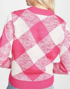 Riverdale-S04-Betty-Cooper-Pink-Knit-Sweater