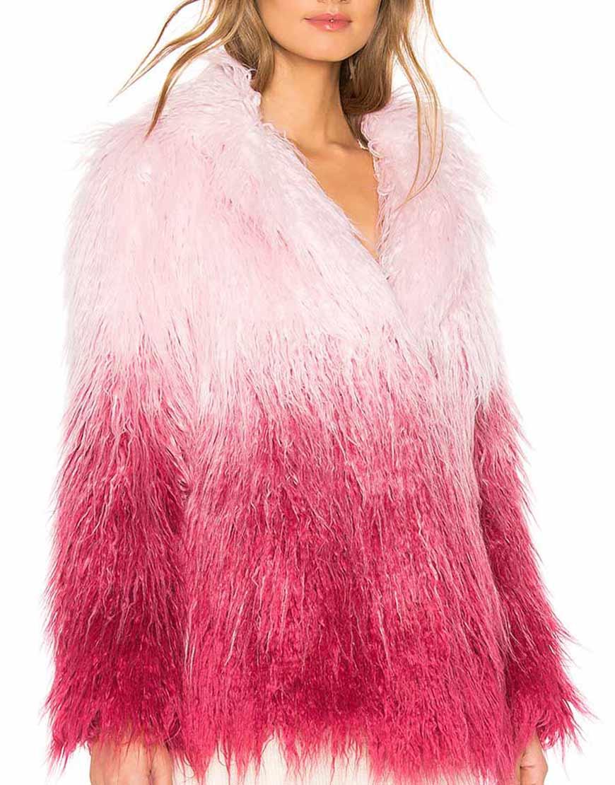 Savannah-Lee-May-Julie-and-the-Phantoms-Carrie-Fur-Jacket