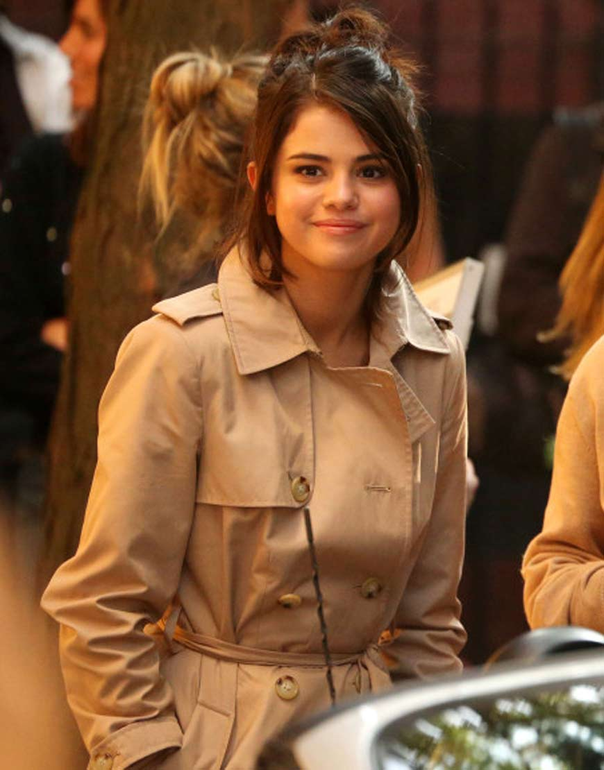 Selena-Gomez-A-Rainy-Day-In-New-York-Long-Coat