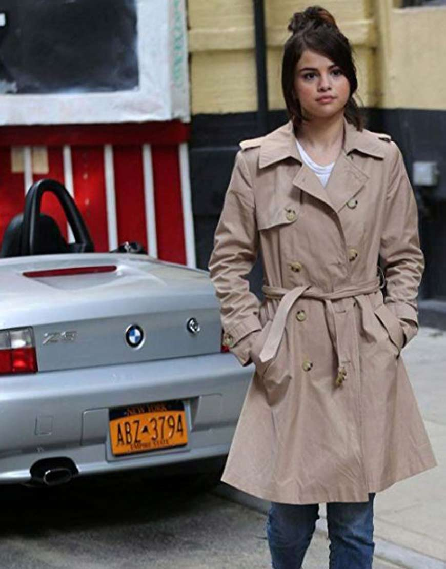 Selena-Gomez-A-Rainy-Day-In-New-York-Trench-Coat