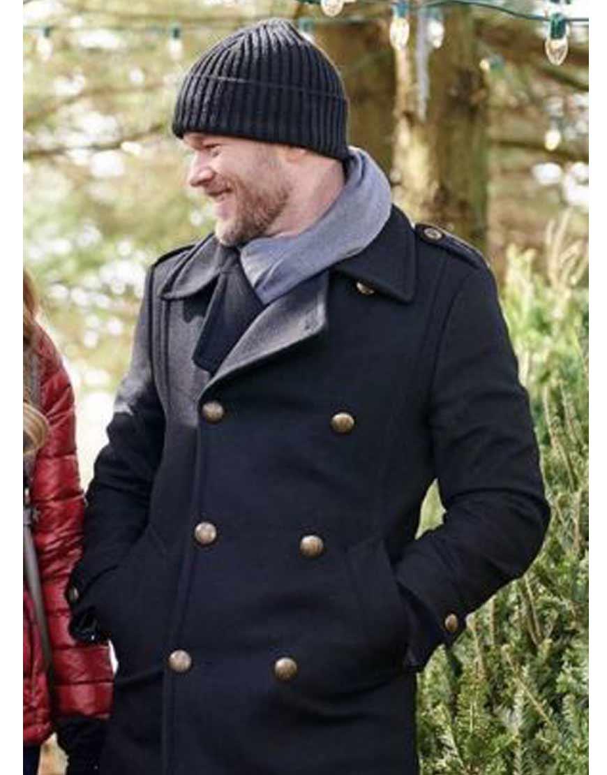 The-Santa-Squad-Aaron-Ashmore-Gordon-Coat